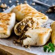 Удиви свою семью и гостей новыми рецептами из блинов.